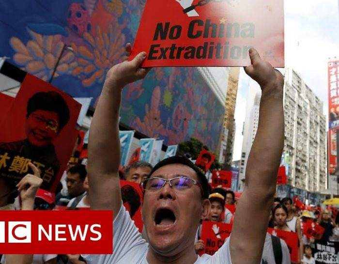 Hong Kong protests: Leader Carrie Lam defiant on extradition plan – BBC News